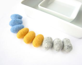 SALE 9 felted wool pebbles //charcoal, sky blue, yellow // Felted wool ornaments, wool garland diy, natural beads, wool stones, party decor
