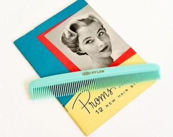 Vintage 1960s Hair Comb / 60s Dupont Nylon Turquoise Plastic Comb VGC / Retro Mid Century Hair Styling Beauty, Bathroom Prop Display