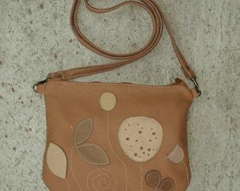 SALE Botanist Messenger, women crossbody purse, everyday bag, brown leather messenger bag, womens leather messenger, summer fashion