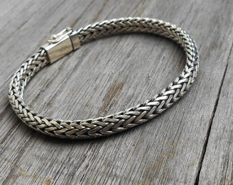 Balinese man thick solid sterling Silver bracelet  / Silver 925 / Bali handmade jewelry / request your length ! / (#903m)