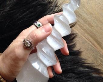 SELENITE UNICORN HORN Twisted Free Standing Moon Crystal Polished Gem Stone Crystal & Energy Enhancing Metaphysical