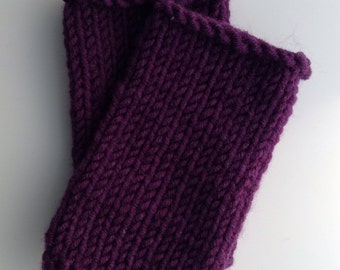 wool mix wristwarmers . hand knit . Thistle