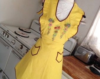 1940s Vintage Bright Yellow Pinafore Apron Embroidered Ruffled Very Cute One Size