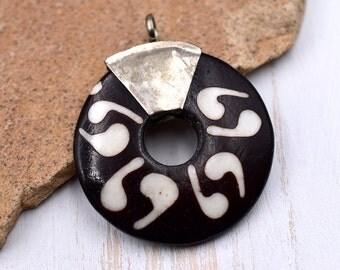 Bone  Pendant, Donut , 1pc, 35mm, Batik Bone Beads,  Donut Pendant, Carved Bone Pendants - P70