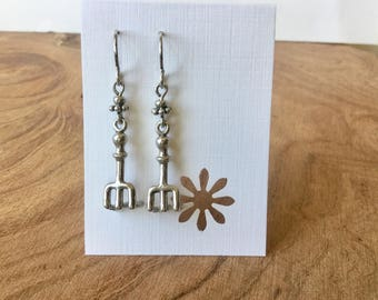 Silver hand rake earrings