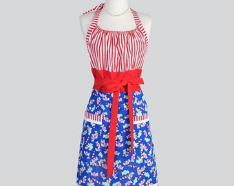 SALE Cute Kitsch . Christmas Candy and Red Stripes Holiday Hostess Womans Chef Apron