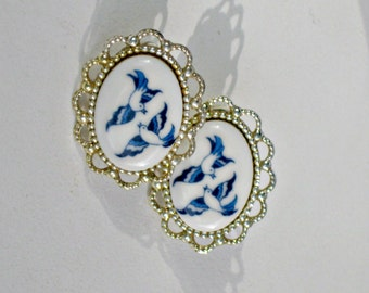 Porcelain Swallows Clip Earrings Vintage 60s Costume Jewelry