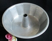 """10"""" Mirro Aluminum Angel Food Cake Pan, Tube Pan, Made in USA, Faceted 14 Sides"""