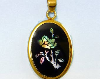 Rose Pendant Vintage Cameo Black Cabochon in Gold setting D-311