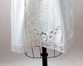 Cotton slip half slip Guy Laroche pintucks lace Edwardian style 1980s Size M