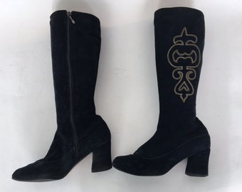Vintage 60s 70s Suede Boots Boho Embroidery Size 8.5