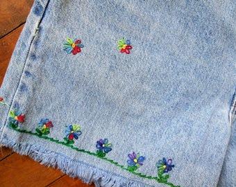 Sale / Vintage Brittania Cutoffs / Embroidered Flowers / Hippie Shorts / Cutoff Jeans  / Jean Shorts / Brittania Shorts
