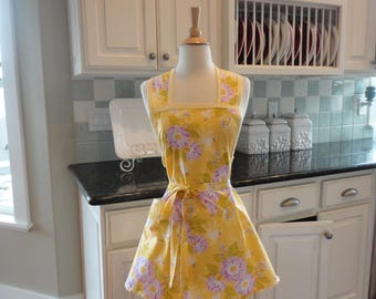 Lemon Cream Pie ~ Easter Fun ~ Annie Style ~  Women's Cute Retro Apron ~ 4RetroSisters