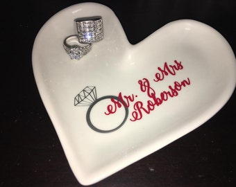 Personalized Heart Shape Ring Dish/ Ring Holder/Jerwerly Dish