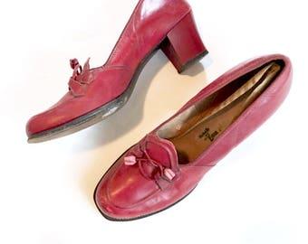 1940s Red Leather heels, size 8 Pumps, Tassel  ties, Rockabilly