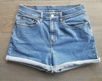 Vintage LEVIS Junior Miss Denim Shorts (m)