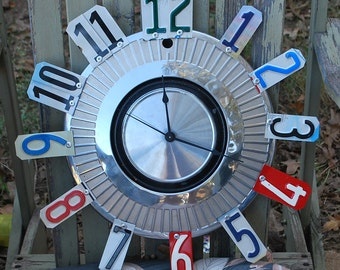 Hubcap Clock, Vintage Hubcap, License Plate Clock, Hubcap, Christmas Gifts, Gifts for him, Man Cave Decor, Unique Gifts, Automobile Themed