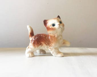 Ginger cat figurine, vintage cat, vintage figurine, ceramic cat, porcelain cat, cat lover gift, kitten figurine, cat collectible, cat decor