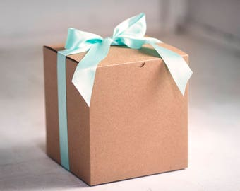 Set of 8 - 8x8x8.5 inch Kraft Gift Boxes -Kraft Pinstripe or Solid Surface-  Great for balloon announcements!!!