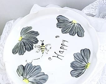 Clay quiche, pie  plate, serving plate, ceramic pue pkate/serving tray, quiche, porcelain with black and white flowers, be happy, oven safe