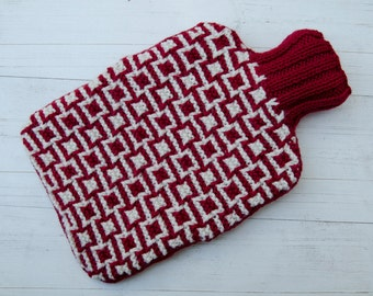 Hot water bottle Cover Knitted in red and white geometric pattern