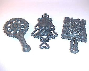 3 Cast Iron Miniature Trivets Wilton