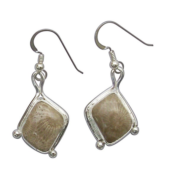 Petoskey Stone dangle earrings set in Sterling Silver  epkye2755