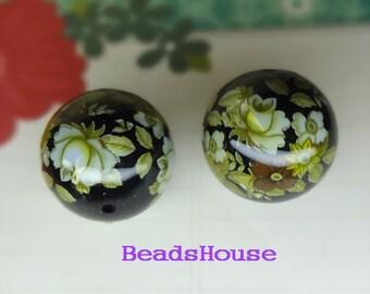 2Pcs  20mm Japanes Tensha Rose Pattern on Black Bead