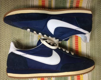 1982 Nike Roadrunner running shoes trainers kicks Sneakers size 9.5 blue white swoosh nylon suede made in Philippines barely used condition