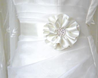 Handcraft Ivory Satin Flower Wedding Dress Bridal Sash Belt Wedding Accessories