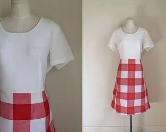 vintage 1970s dress - CHECKER red & white gingham dress / XL