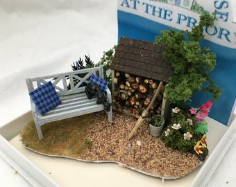 Dolls House Miniatures - Hand Made Garden Log Shed & Bench Scene (1/48th, 1/4inch, quarter scale) - NEW SPRING 2017