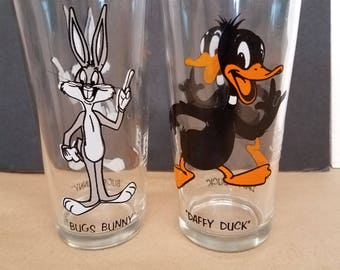 Vintage Bugs Bunny and Daffy Duck 1976 Pepsi Glasses