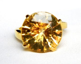 Vintage Citrine Yellow Topaz Ring - Round Faceted Glass Solitaire - Size 8.75 - Huge