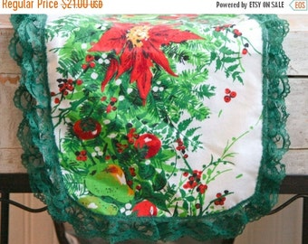 Vintage Christmas Table Scarf, Table Runner, Red Poinsettia, Red and Green Decoration, 1960s Christmas, Kitschmas Decor, Bright Green Fruit