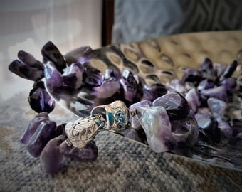 OOAK Alta Marea Stones Collections ametist drop chain and crystal.