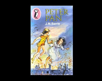 1975 Puffin Paperback. Peter Pan by J.M.Barrie. 1970s. Book. Books. Blue. Richard Kennedy Illustrations.