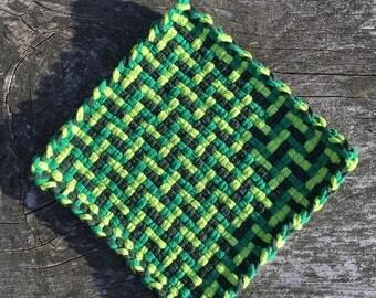 Green cotton loop pot holder, woven trivet, placemat, hot pad, large potholder, home decor, housewarming gift, decor gift