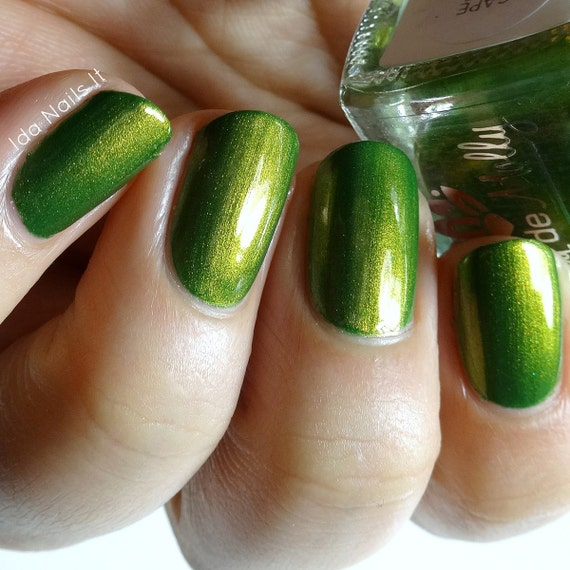 """How To Make Olive Green Nail Polish: """"Escape Artist"""" Olive Green With Copper"""