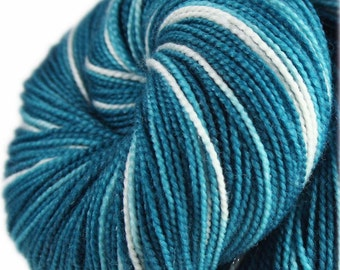 TEAL OMBRE Superwash Merino Wool/Nylon/Stellina Sparkle Hand-dyed Variegated Fingering/Sock Yarn