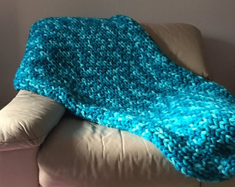 Sea foam chunky knit throw rug 120 x 150 cm