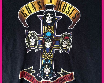 Vintage Guns N Roses T-Shirt Size Small