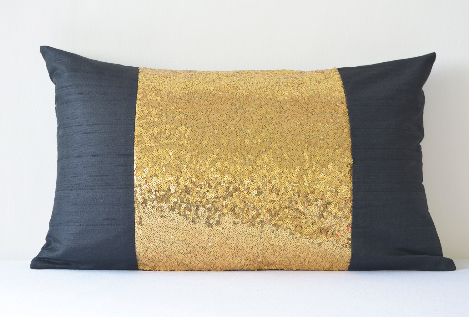 black gold pillow cover black and gold sequin cushion. Black Bedroom Furniture Sets. Home Design Ideas