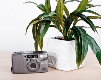 Vintage Grey Pentax IQZoom 115M Zoom 35mm Film Camera