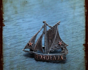 Antique French Silver Brooch with a boat from Bordeaux - Vintage pendant Jewelry from South of France