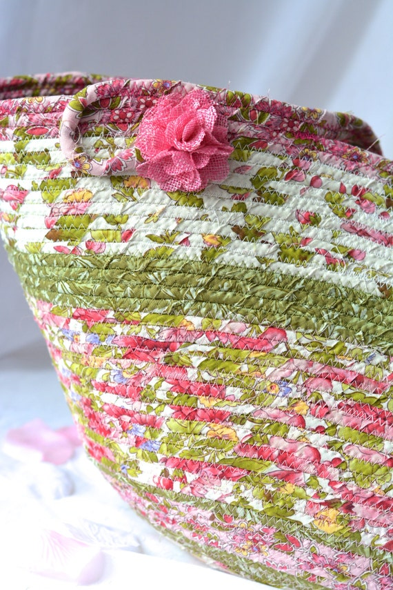 Green Tote Bag, Handmade Coiled Beach Bag, Shabby Chic Moses Basket, Lovely Storage Organizer, Toy Bin, Picnic Basket, Gift Basket
