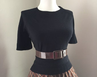 SEXY Vintage 1950s 1960s Black Knit Short Sleeve Sweater Top