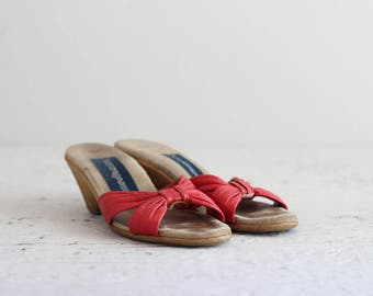 Womens Vintage Shoes . Retro Heeled Sandals . 1970s 70s Red Leather Heels