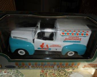 Vintage Model Truck 1:18