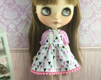 Blythe Dress with sleeves  - Triangles